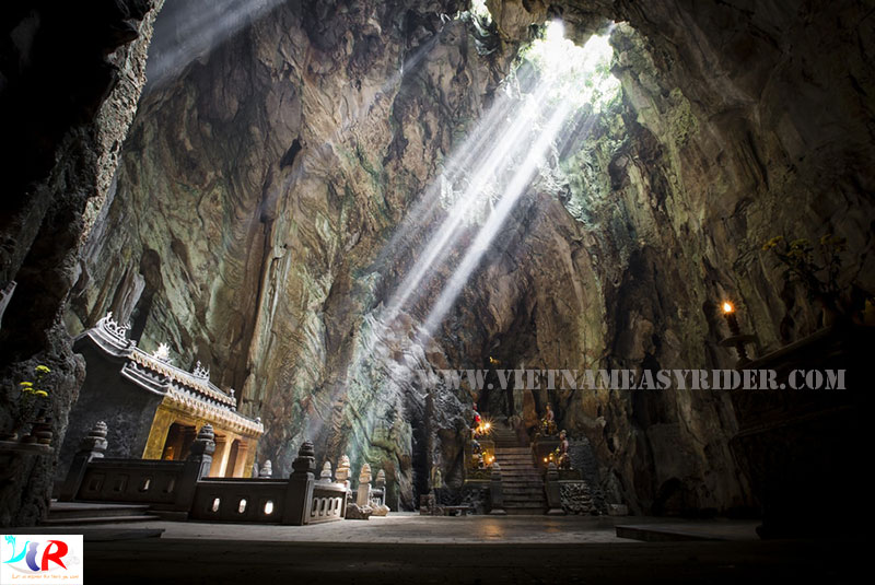 Huyen-Khong-cave-at-Thuy-Son-marble-mountain-danang