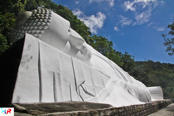 Reclining Budha at Ta Cu mountain