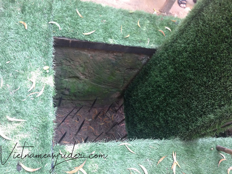 Cu-chi-tunnels-trap