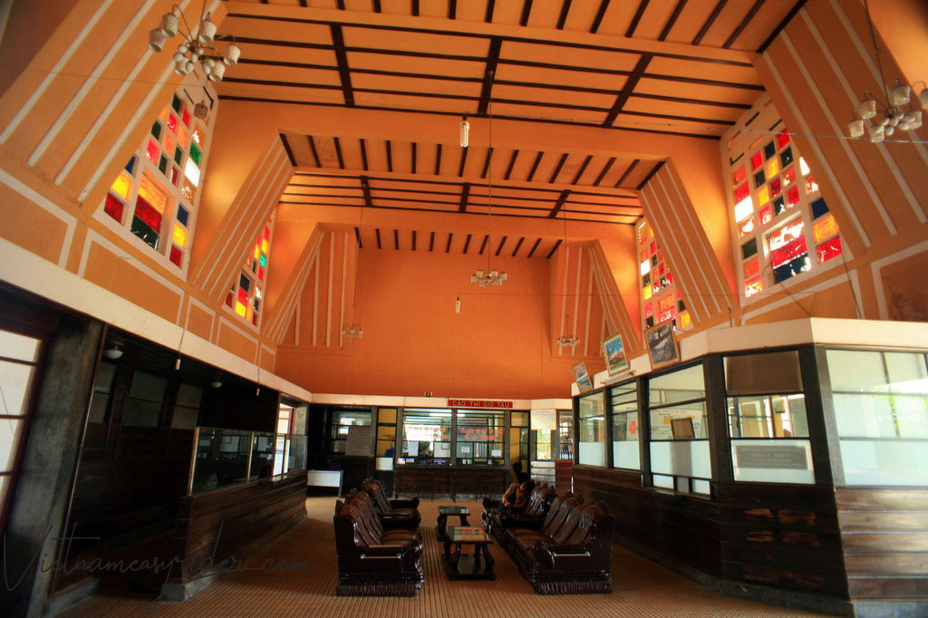 Dalat-railway-station-insight