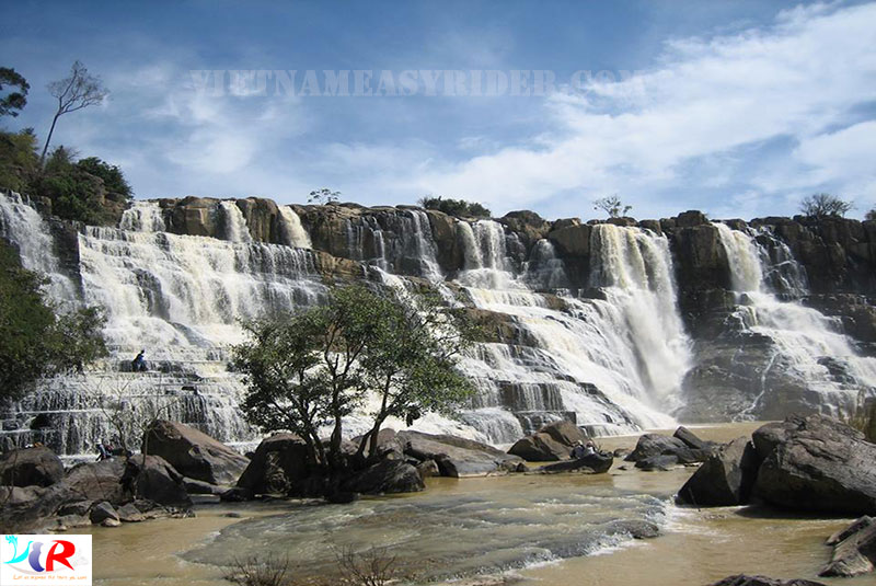pongour-waterfalll-dalat-vietnam