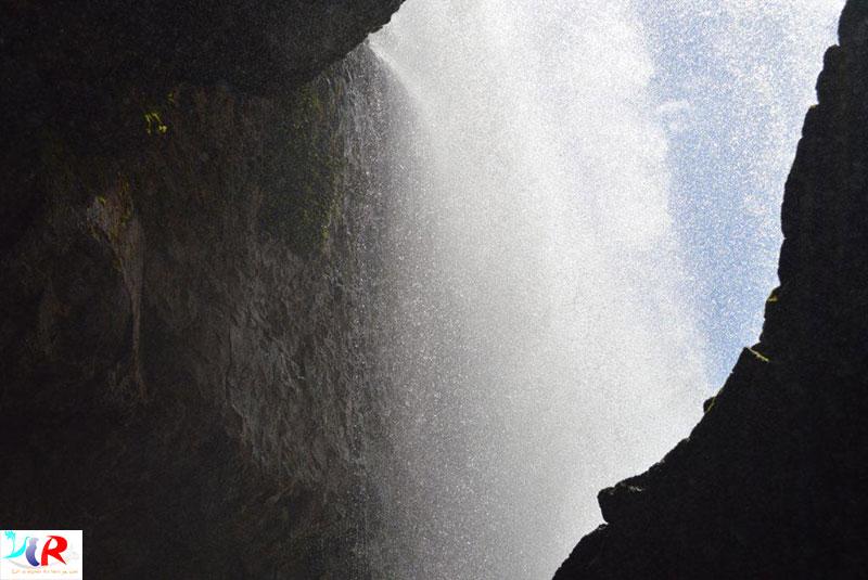 Elephant-falls-dalat-vietnam
